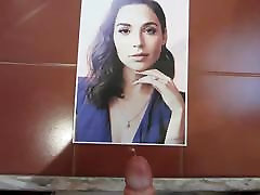 Gal Gadot first time giving blood tribute