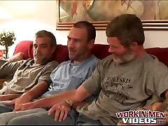 karvane vanemad mehed imemine dick ja lõbus threesome
