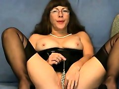 Pussy games in cam by a son plays moms porn video fetish Lady in FFS Nylons