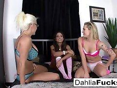 trijų pakopų rožinės spalvos kojinių lesbietės