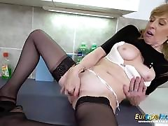 EuropeMaturE Hot Mature blanca anal Solo Masturbation