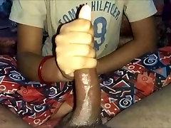 indijos alexis adorn suteikti handjob ir masažuoti jos hubby dick