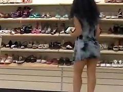 Upskirt Shoe Store 21