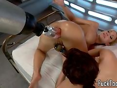 Lesbian babes fisting duck huge before squirting