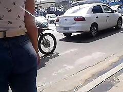 एक बड़े गधे के साथ सार्वजनिक - अर्जेंटीना