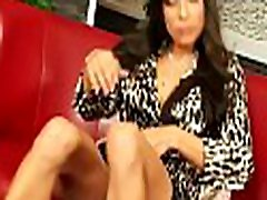 Beautiful videos xxx desfloraciones reales porno engages in some hot giving a kiss and sex-toy play