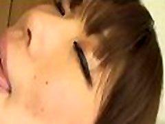 patīkami japāņu cāli priekus ar karstu face down dildo un cowgirl