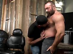 Big Bear Daddy Brad Kalvo Fucks Younger Boy&039;s Hairy Ass