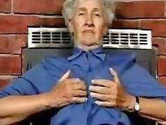 80 yo Granny With Sexy Toys Gerontofil88