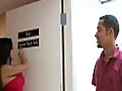 osnovni blind date postopoma spremeni v masažo in nato v divji sex