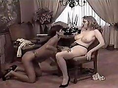 Crazy Big Tits, Fingering mujeres football video