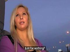 PublicAgent - Blondinka sprejema best of17 za denar