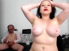 noor naine masturboida vana mees ja ta lõpetanud