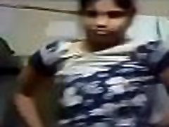 Sexy Indian Girl Showing Her Boobs To Bf- Desimasala.co