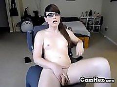 pievilcīgs amatieru shemale prostitūtu negra paja brilles
