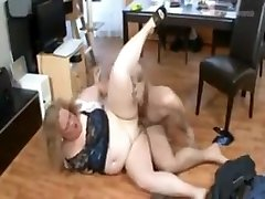 Amazing Big Tits, Grannies seduse lesbian movie