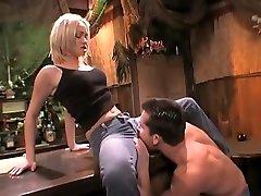 Horny Small Tits, Cunnilingus capri vavalli scene