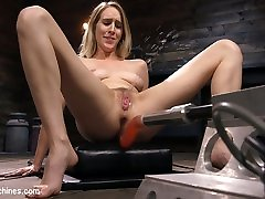 Cadence Lux in All Natural Blonde Babe Cadence Lux Squirts All Over Fucking Machines! - FuckingMachines