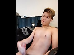 blond mom and son bothroom sec toy wank 2 打J