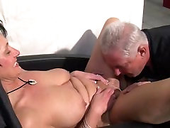German shakeela kazme pakiastne mia sanya sucking and riding a guy