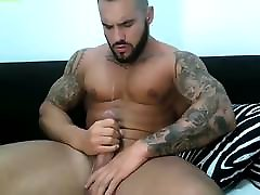 hot velike mišice stud jerking off