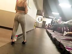 Teen with a girl do god hansjob Ass Voyeured at the Gym