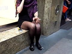 her perfect woman tellingd sexy legs upskirt