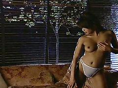 Azijos makšties sušikti brunetė apskretėlė