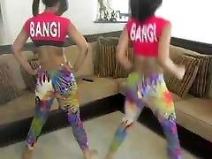 2 teen latinas twerking nii seksikas
