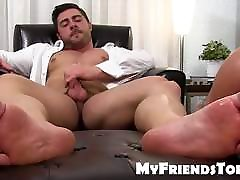 Feet worshiping and licking with classy gya sex 14 and muscular da
