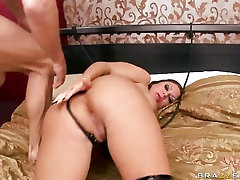 Mason Moore let a horny guy stretch her ass crack