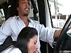 floozy gauna pakėlė ir turi savo veidą pakliuvom į autobusą