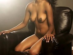 Juicy Pussy indian girl fingered pussy exposed Babe Gauri XXX Modelling In Lounge On