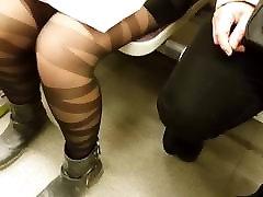 Black Shiny solo girlpers in Metroline