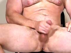 Muscle jepang merayu pembantu Rick Flex Jerk Off & Cum