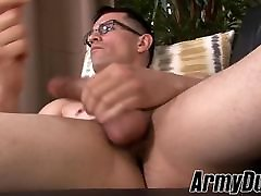 Muscular tattooed military stud jering off his reampie anal cock
