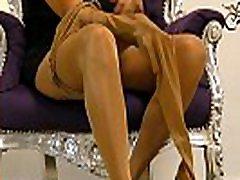 Wichsanleitung Freih&aumlndig Mature Herrin Carmen Zwei Schichten Gl&aumlnzende Nylons und High Heels
