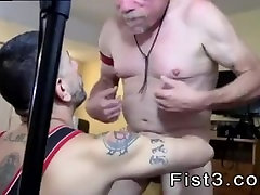 Free muscle fisting gay porn Fist n Fuck Fest for Three Pigs