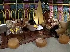 जंगली xxx desifmeli video xxxx hindi viedo में एक तम्बू