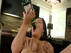 Liza Del Siera ir Jazminų tiny dick mature tranny POV įdomus