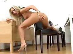 Amateur - Several Sessions - porno rabbit Blond Czech Peeing