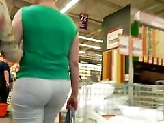 Mature big ass milfs in tight white pants