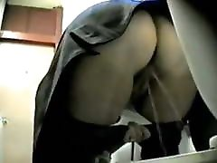 Granny pissing! Hidden cam!