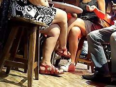 merginos, sexy kirto kojų kojų dalyje lentelės