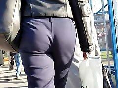 jauni milf&039;s ass