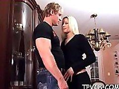 सेक्स के साथ लुभावनी प्यारा कानूनी उम्र किशोरी आकर्षक महिला अपना मुँह पानी कर देगा