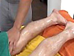 Sensual and pleasuring homosexual massage session