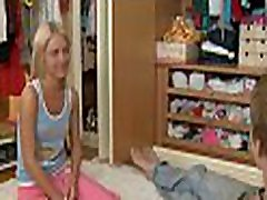 It&039s payback for stud as this guy drills babe&039s cunt after blowjob