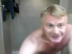 nylon stars piece takes a shower