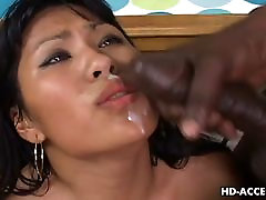 Azijske motiko Kyanna Lee interracial seks